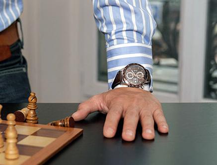 Chronoshirt : un site Internet propose des chemises dotées d'un « poignet horloger »