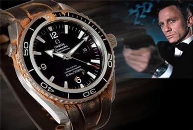 Casino Royale Daniel Craig Porte Une Omega Planet Ocean