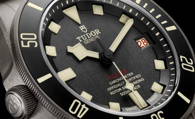 Tudor Pelagos LHD : plongeuse à bâbord !