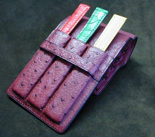 L'autruche, un cuir de luxe tout terrain : la chronique de l'Atelier du Bracelet Parisien