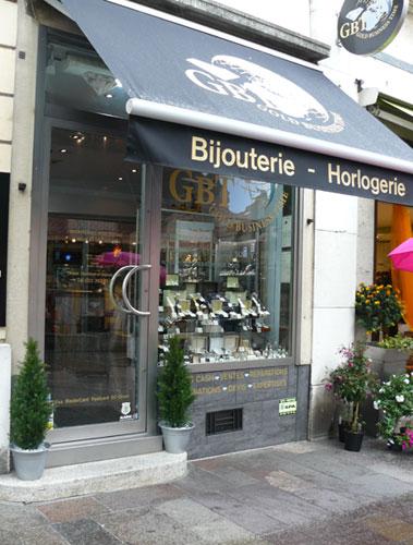 Gold Business Time : des montres d'occasion dans la petite ville de Nyon (Suisse)