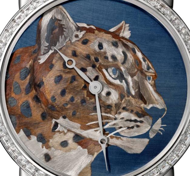 Or flammé : métiers d'art à l'honneur pour cette Ronde XL de Cartier