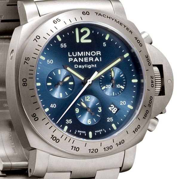 Luminor Panerai Chronographe Daylight 44mm en titane Réf. PAM327