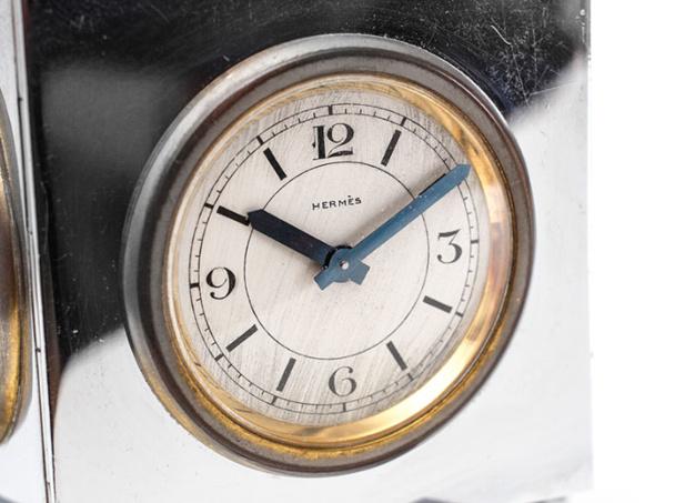 Hermès : pendulette 4 faces en métal chromé