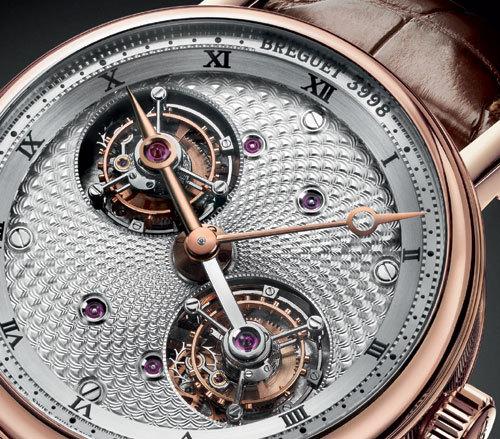 Breguet dévoile une nouvelle version de son célèbre Double Tourbillon… en or rose