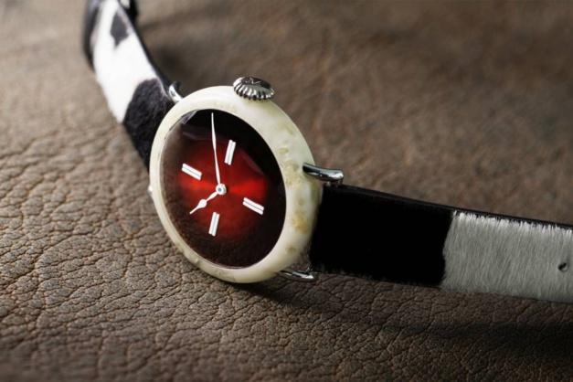 """Moser : sa montre """"en fromage"""" vendue 100.000 euros"""