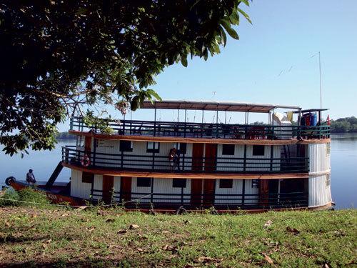 La Fondation Audemars Piguet inaugure un bateau-école sur l'Amazone