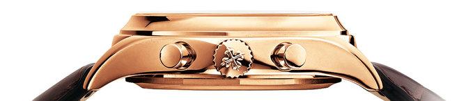 Le Chronographe à Quantième Annuel Patek Philippe Réf. 5960 s'habille d'or rose