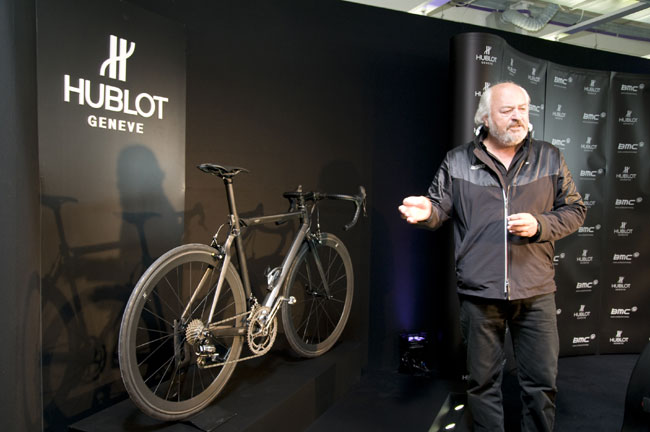 All Black Bike : le vélo Hublot