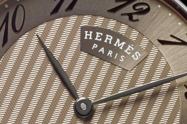Hermès Arceau Très Grand Modèle : cadran noisette à chevron
