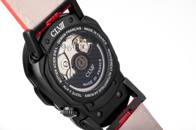 "CLVII Timepieces : une montre ""skull"" très rock n'roll et abordable"