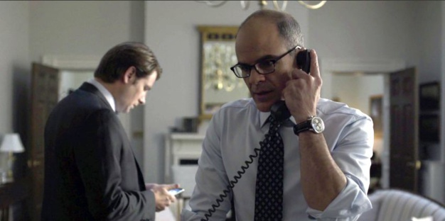 House of Cards : Michael Kelly porte une Breitling Navitimer