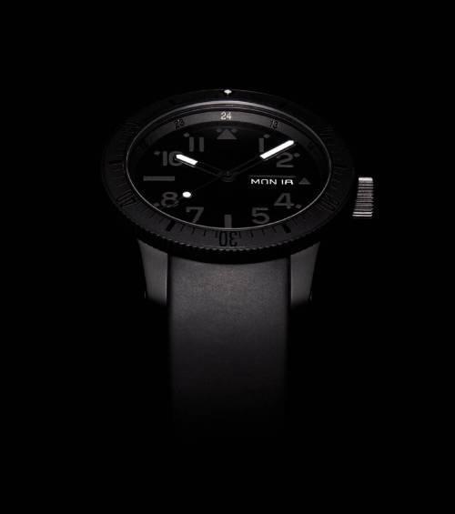 Fortis B-42 Black & Black date/jour automatique