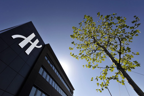 Hublot inaugure sa nouvelle manufacture et dévoile son mouvement Unico