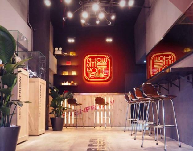 SevenFriday s'offre un très beau pop-up store en plein coeur de Hong-Kong