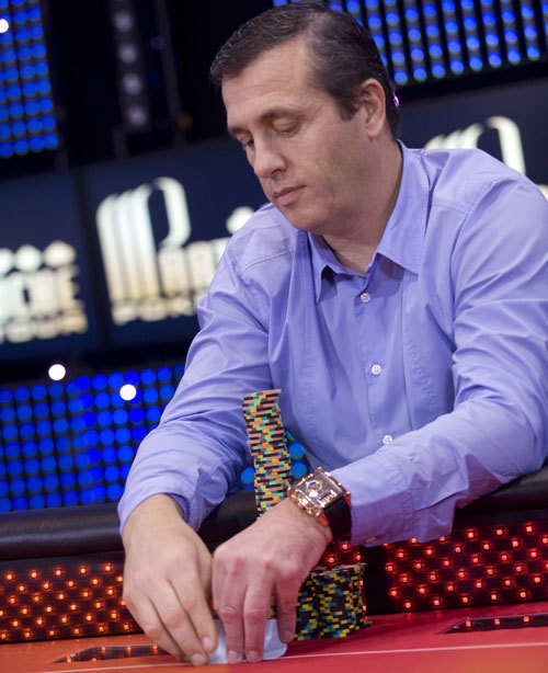 Poker : une Vintage 1945 Jackpot Tourbillon Girard-Perregaux au poignet de Jean-Paul Pasqualini