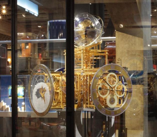 """Une horloge astronomique de """"tous les superlatifs"""" prêtée au MIH"""