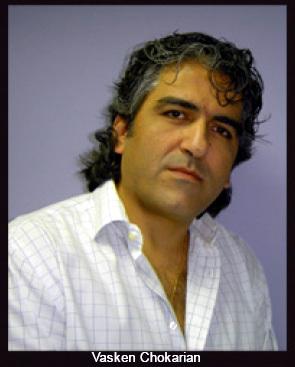 Moyen-Orient, hiver 2009 : rencontre entre l'horloger Denis Asch et Vasken Chokarian, rédacteur en chef d'iW