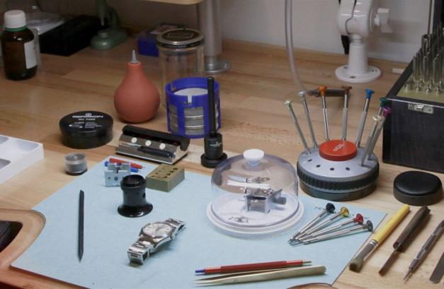 Collector Square ouvre son atelier de réparations horlogères