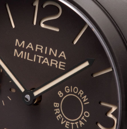 Panerai Radiomir Composite Marina Militare 8 Giorni : monochrome mais haute en couleur