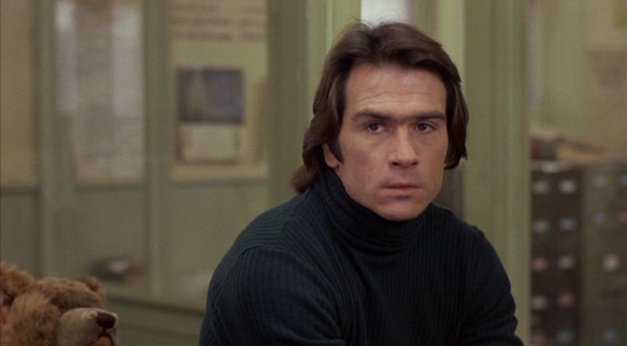 Les yeux de Laura Mars : Tommy Lee Jones porte une Rolex Explorer II 1655