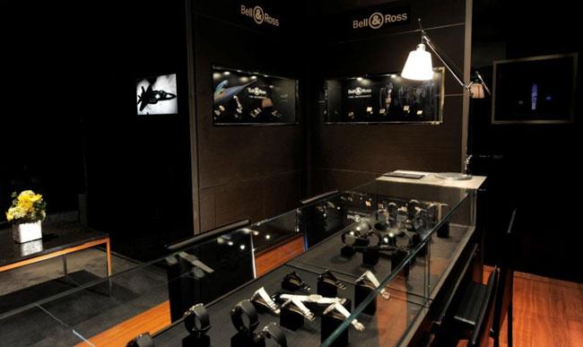 Bell & Ross ouvre sa première boutique à Singapour