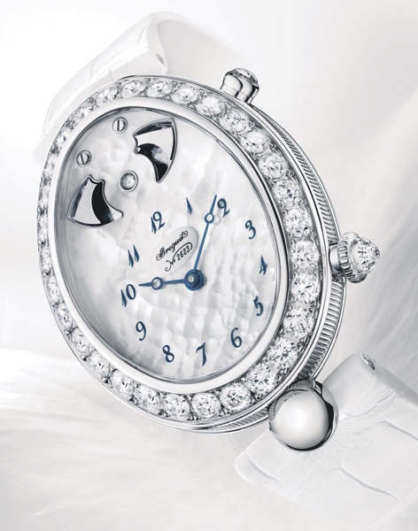 Breguet Reine de Naples 8978, Sonnerie au passage : quand la haute horlogerie s'adresse aux femmes…