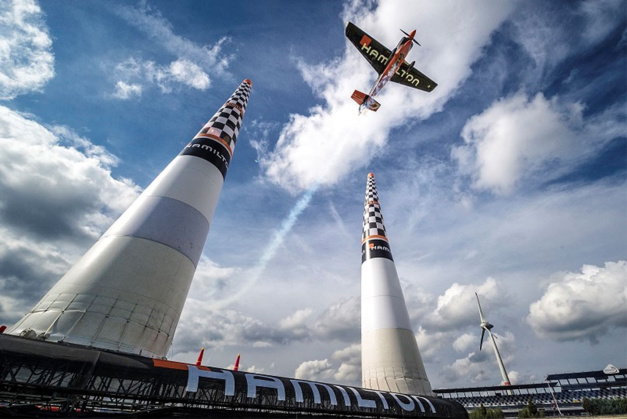 Hamilton : chronométreur officiel du Red Bull Air Race World Championship