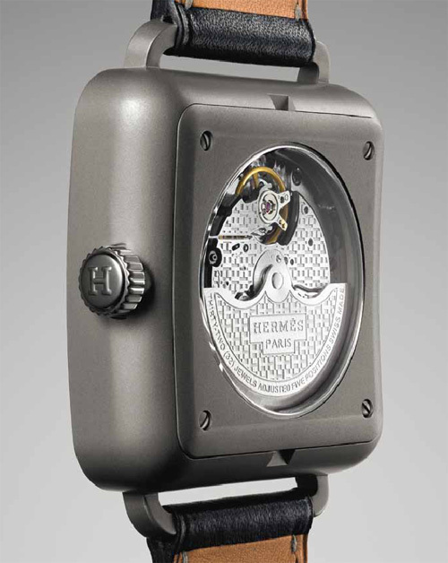 Hermès : la montre Carré H, une montre… carrée certes, mais pas totalement !