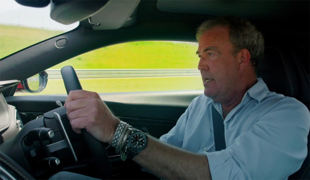 The Grand Tour : Jeremy Clarkson porte un chrono Top Gun IWC