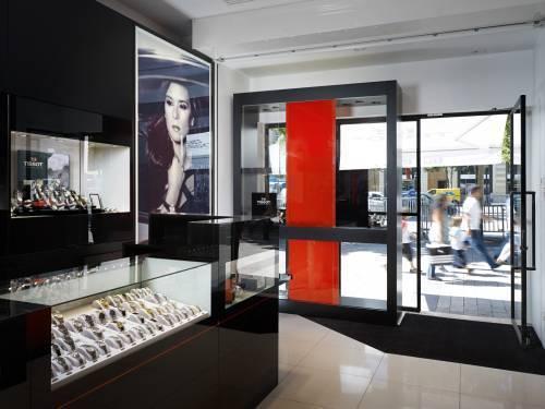 Tissot ouvre sur les Champs-Elysées, au numéro 76