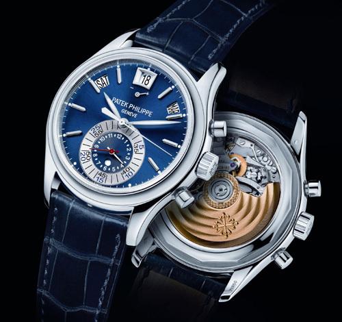 Chronographe à Quantième Annuel Patek Philippe réf. 5960P cadran bleu