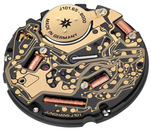 Max Bill Mega radio-pilotée : la montre intelligente selon Junghans
