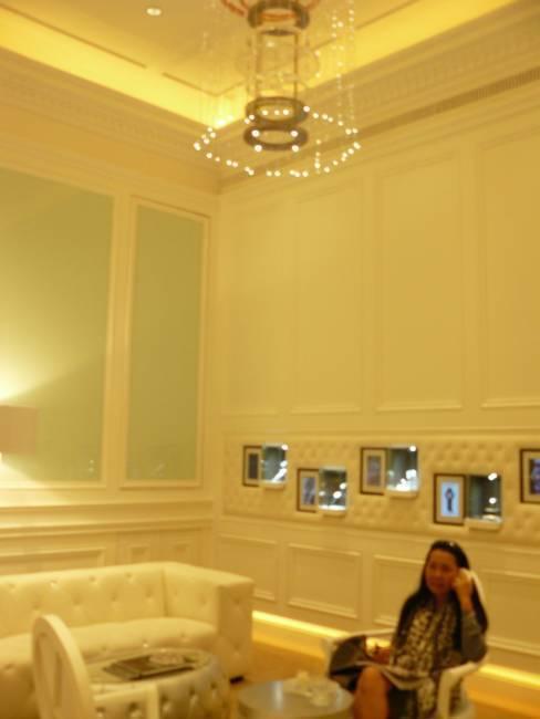 Watch café, atelier horloger ET salon de thé : un concept original en provenance de Bangkok