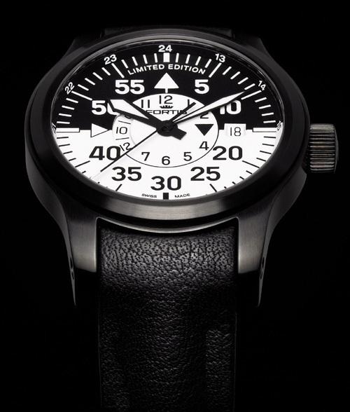 Fortis B-42 Flieger Black Cockpit GMT : Limited Edition 2012 : une montre lumineuse…