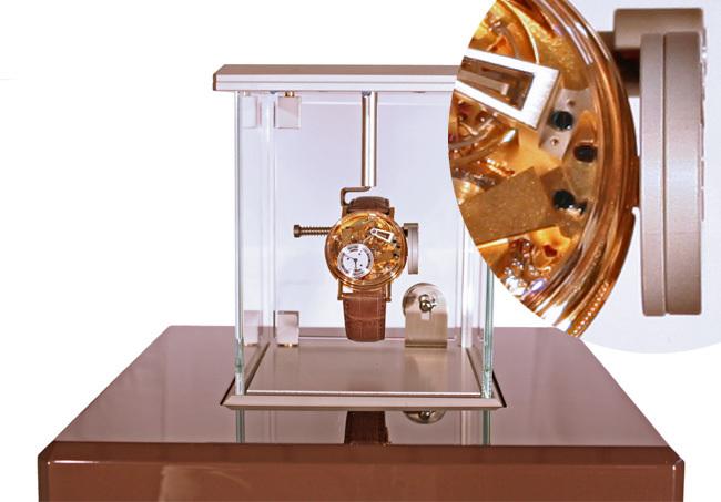 La vitrine Pulsograph pour Breguet de Xavier Dietlin : la pendule du 21ème siècle