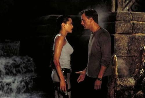 Lara Croft, Tomb Raider : Daniel Craig utilise un chronographe de poche Lemania