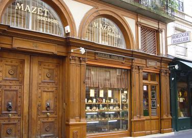Mazet : une adresse sur la rive gauche pour les réparations de vieilles horloges…