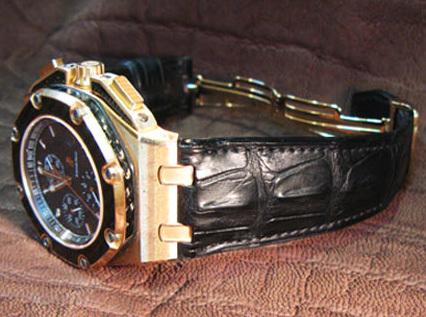 Bracelet montre en croco corné noir pour une montre Royal Oak Offshore Chronographe