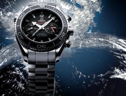 Omega poursuit le développement de la collection Planet Ocean : quatre nouveaux modèles