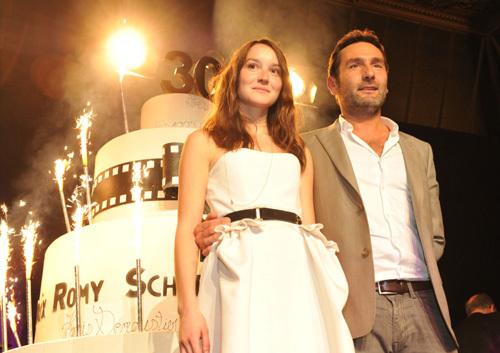 Hamilton : le Prix Romy Schneider et Patrick Dewaere 2011 remis à Anaïs Demoustier et Gilles Lellouche