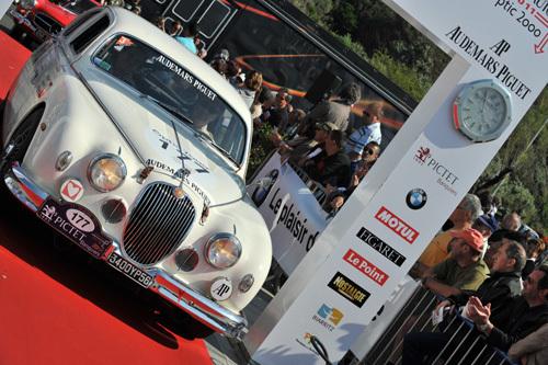 Arrivée du Tour Auto 2011 crédit photo Christopher Hibbert