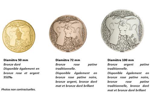 Christian Lacroix et la Monnaie de Paris créent la Médaille du Pacs : trois pièces en bronze