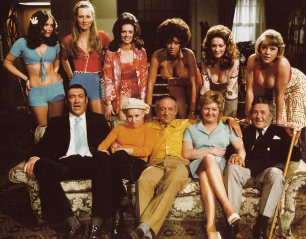 Carry on girls, dr