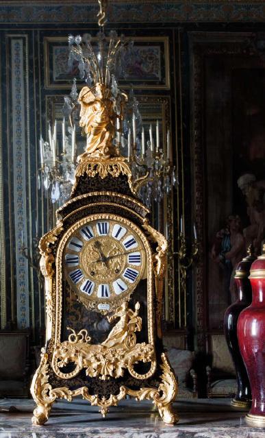 Rolex : mécène du Château de Fontainebleau finance la restauration d'horloges du 18 et 19ème siècle