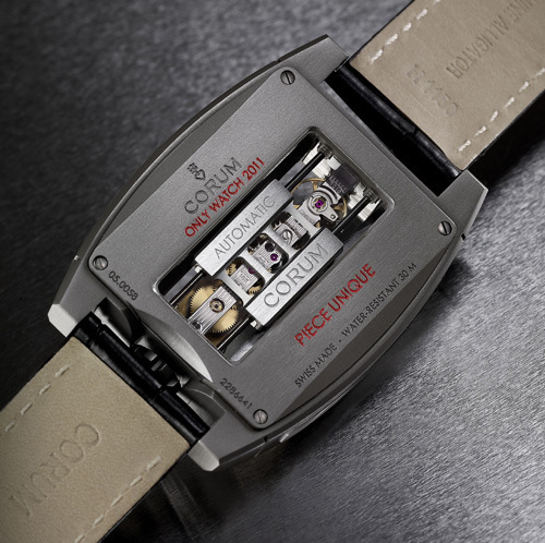 Only Watch 2011 : Corum présente une Golden Bridge Automatic