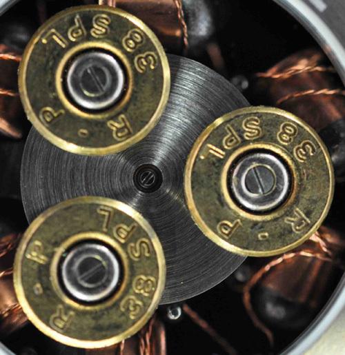 ArtyA Son of a gun : coups de feu sur la Suisse