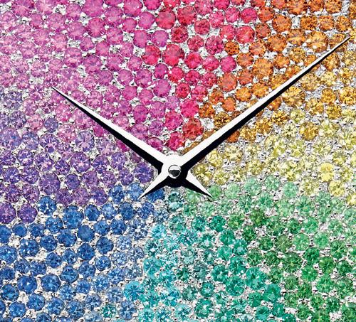 La D de Dior Color : un arc-en-ciel unique et rare au poignet