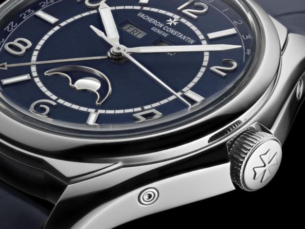 Vacheron Constantin FiftySix Calendrier complet et cadran bleu