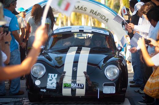 Carrera Panamerica : Frédérique Constant  accueille et récompense les vainqueurs